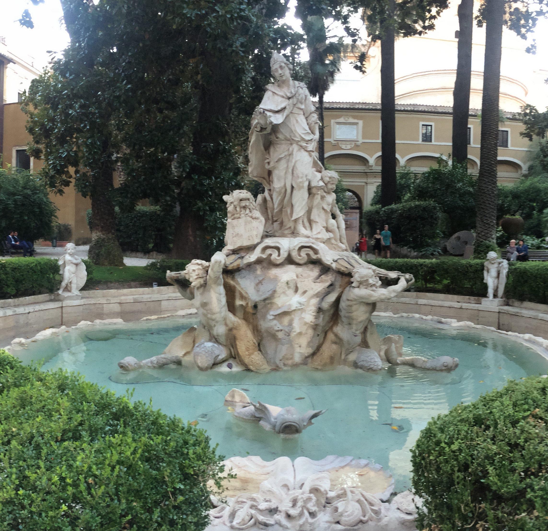 fontana-palazzo-venezia-roma